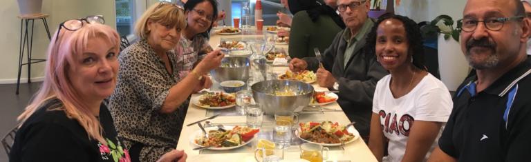 Buren!groep Geuzenveld: Samen koken en eten in De Honingraat